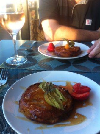 Hotel Oceania Saint Malo : room service :tarte tatin réchauffée comme il se doit