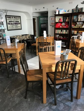 Octavo S Book Cafe And Wine Bar