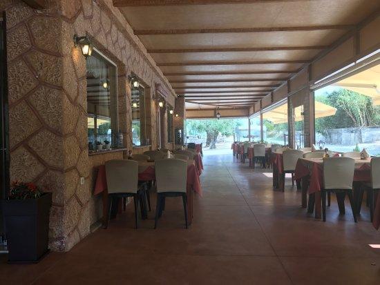 Kypseli, Greece: To Stavrodromi Tavern-Rotisserie