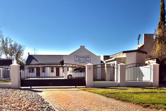 Potchefstroom, Güney Afrika: The view from the street.
