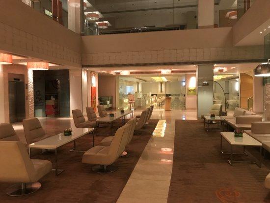 The Raintree Hotel - Anna Salai: lobby