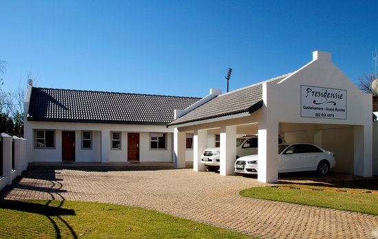 Potchefstroom, South Africa: Each room has his own entrance.