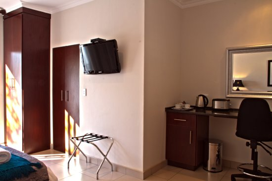 Potchefstroom, South Africa: Flat screen TV with DSTV