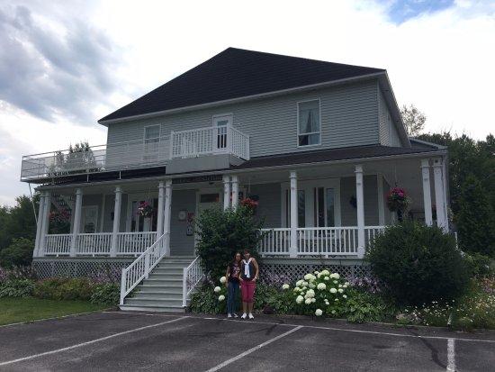 Hebertville, Canada: Le Presbytère