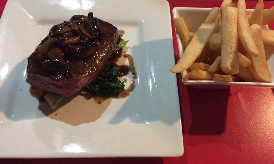 Mildura, Australien: Steak with mushroom sauce