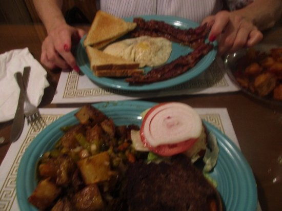 Fairmont, Wirginia Zachodnia: Burger and homefries w/ peppers and onions...bacon, egg, toast, homefries.