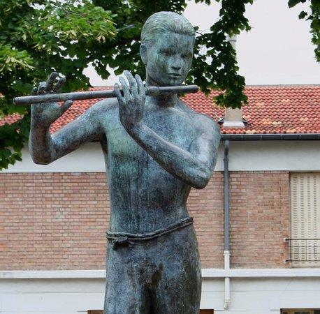 Jeune Homme a la Flute