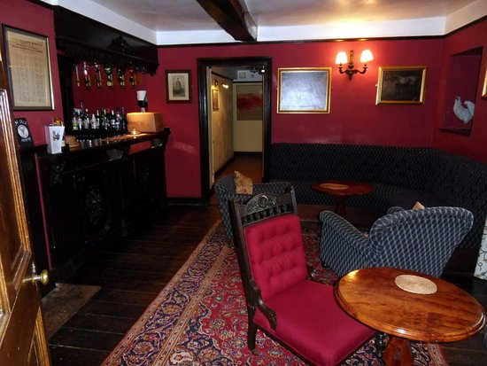 Chettle, UK: Castleman Hotel, bar