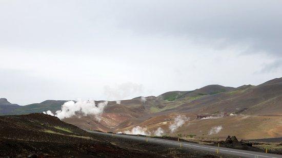 Lake Myvatn, Ισλανδία: voor de ingang stomende aarde