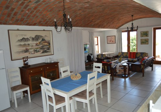 Paternoster, South Africa: Self Cater dining kitchen and living area