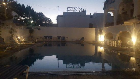 Armonia Hotel: 20170813_204044_large.jpg
