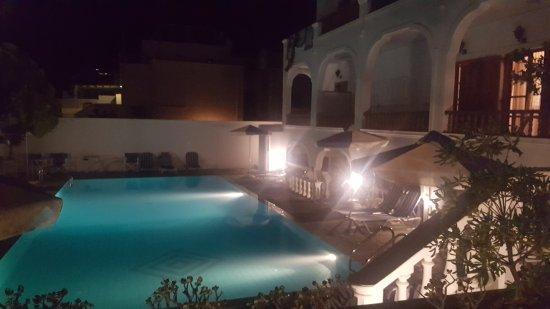 Armonia Hotel: 20170812_220223_large.jpg