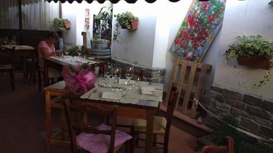 Pratovecchio, อิตาลี: la veranda esterna