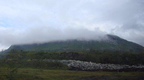 Hol, Norge: гора(название горы не нашел).