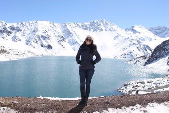 San Jose de Maipo, Chile: Bela foto para contrastar o Azul do Lago e o Azul do Céu.