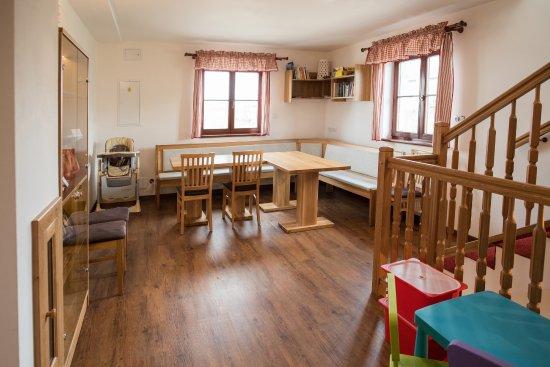 Bozi Dar, Τσεχική Δημοκρατία: Společenská místnost s herním koutkem pro děti