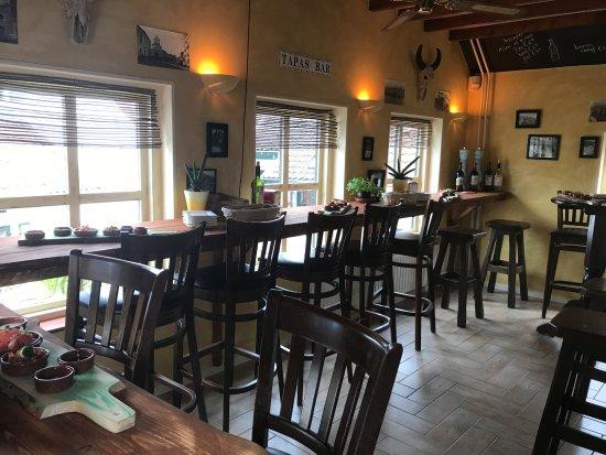 เทอเนอเซน, เนเธอร์แลนด์: Bar boven