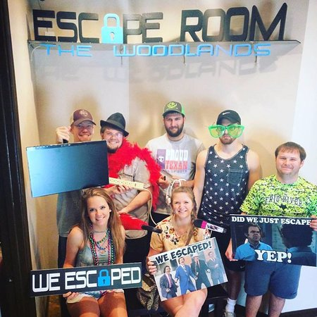 ‪‪Escape Room The Woodlands‬: We escaped!!! Great and fun experience!‬
