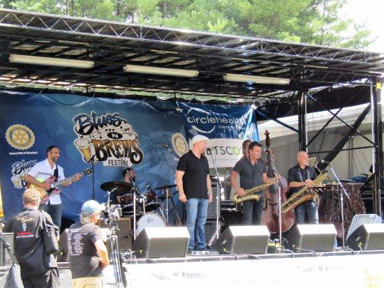 เวสต์ฟอร์ด, แมสซาชูเซตส์: The Chris O'Leary Band