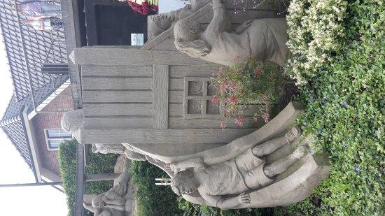 Garderen, Nederland: 't Veluws Zandsculpturenfestijn