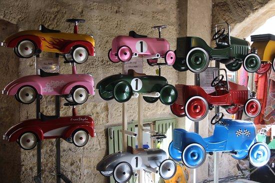 Uzès, France : Toy Cars