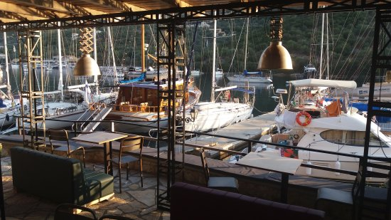 Sivota, Greece: Liotrivi Cafe/Gallery