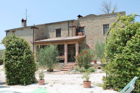 Piccione, Italien: Vista Casale San Marco B&B