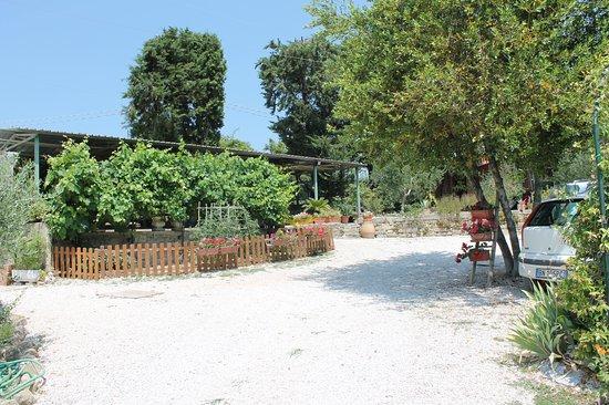 Piccione, อิตาลี: Area parcheggio