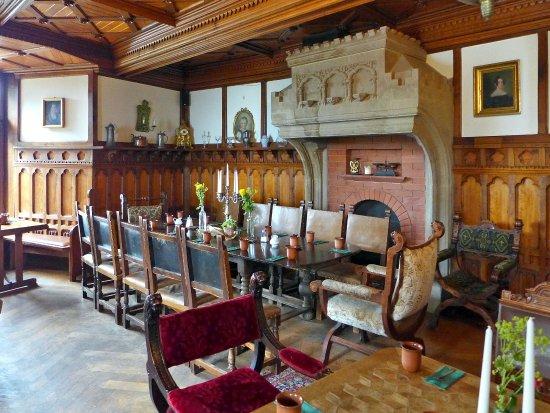 eingang zum geb ude bild von schloss berlepsch witzenhausen tripadvisor. Black Bedroom Furniture Sets. Home Design Ideas