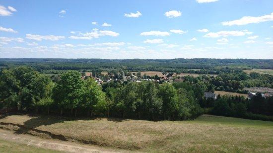 Coucy-le-Chateau-Auffrique, France: DSC_1428_large.jpg