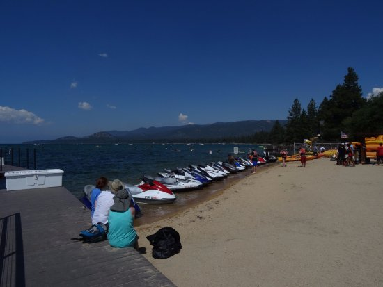 Lake Tahoe Vacation Resort: Beach rental area