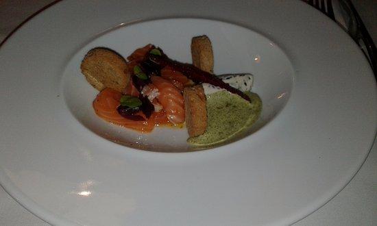 Plestin les Greves, Frankrike: saumon mariné,nougat de chèvre