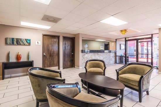 Quality Inn & Suites - Round Rock: Lobby