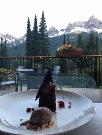 Fernie, Canada: Dessert with a view!