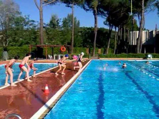 Tavarnuzze, Italy: Vista delle due vasche esterne