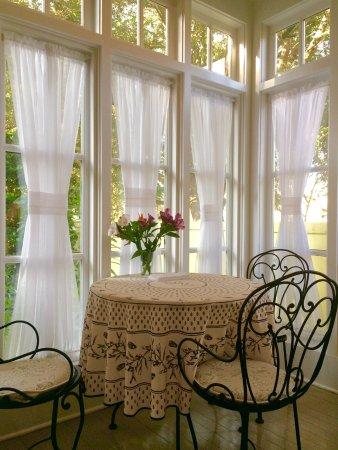 Barksdale House Inn: Breakfast room