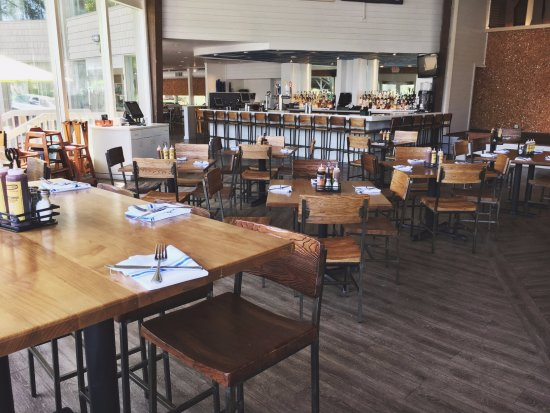 Fontana, WI: The Waterfront Restaurant