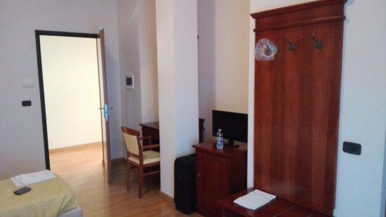 CASA PER FERIE - HOTEL VILLA GIUOCHI DELFICI (Roma): Prezzi 2018 e ...