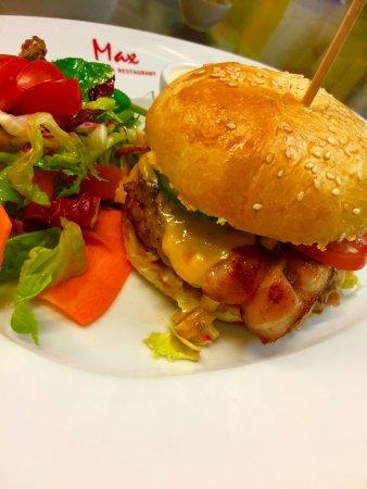 Max Szenecafé: Burger frisches Beef