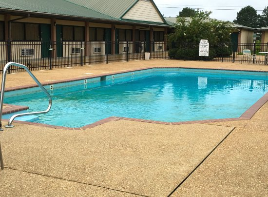 Aberdeen, MS: Pool