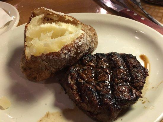 McKinney, تكساس: Dallas filet & potato