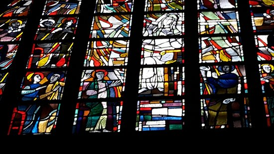 Basilica of Our Lady (Onze Lieve Vrouwebasiliek) : stained glass