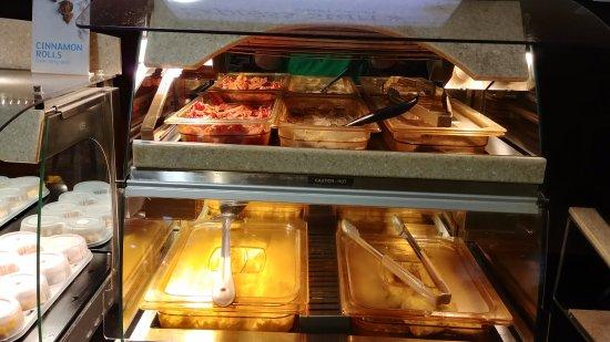 Cordele, GA: Hot Breakfast Items