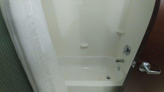 Cordele, GA: Tub with Shower