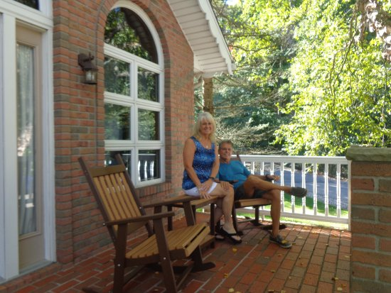 Donna's Premier Lodging: This is our yearly anniversary retreat