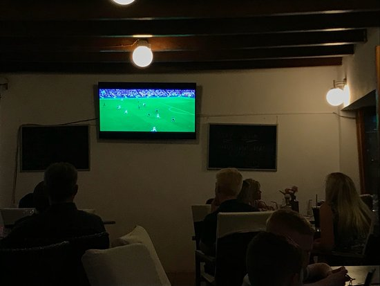 Walshies Sports Bar & Grill: Football