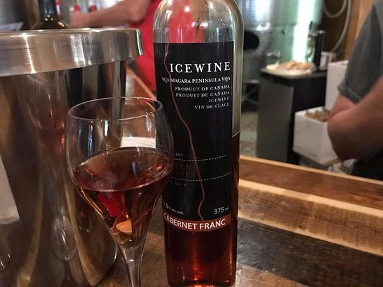 Between the Lines Winery: Warm Welcome From Their Staff