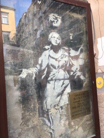 Murales Napoli Madonna Con Pistola