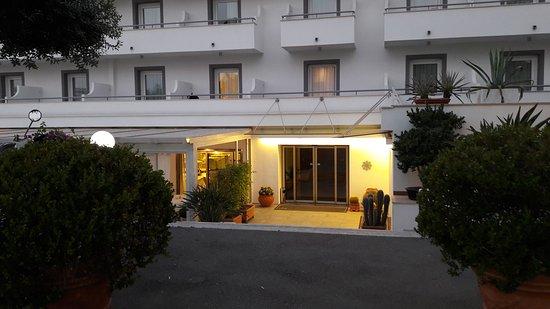 Hotel Marad Via Benedetto Croce  Torre Del Greco