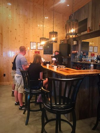 Sparta, KY: Tasting room at Neeley Family Distillery